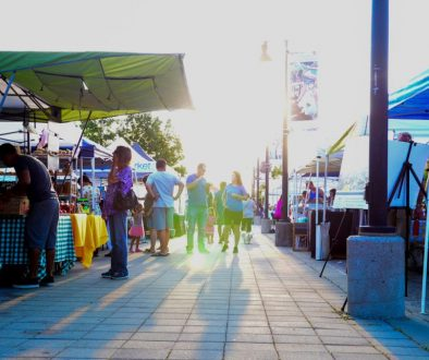 Down the middle lane of the farmers market at Sammamish Commons