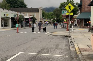 Customers stroll down Issaquah's Front Street on the second day of the Streatery Pilot.