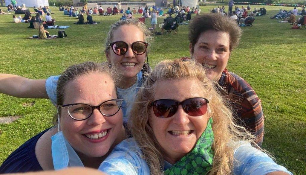 Becky Henchman selfie with other volunteers.